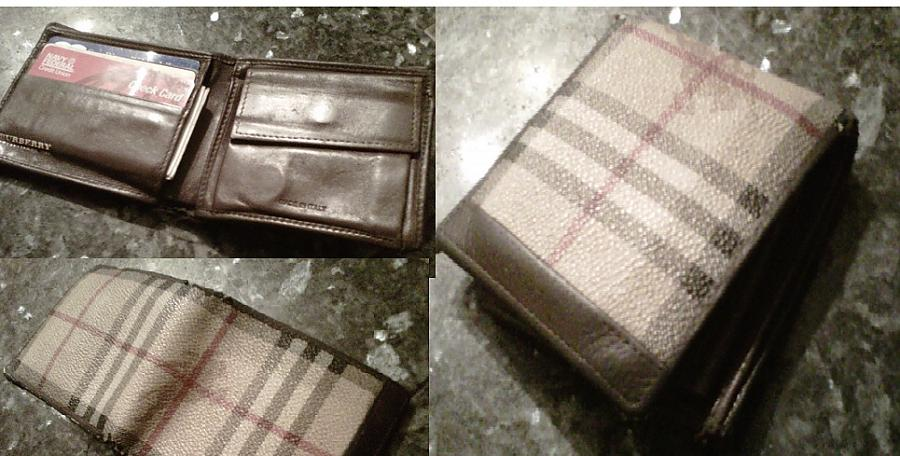1499e8bd1f9d Burberry Bi-fold wallet coin pocket